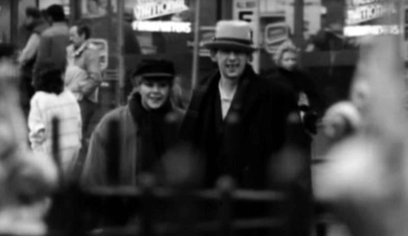 Shane og Kirsty på gata i New York, også fra videoen til «Fairytale Of New York». Foto: Skjermdump
