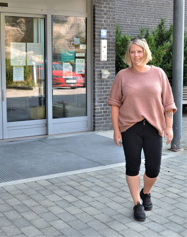 Hege Hansen har allerede vært i kontakt med ansatte i eldreomsorgen. Som lesbisk og tidligere ansatt i lindrende omsorg, vil hjelpepleieren bidra til at beboere får beholde sin integritet og verdighet.