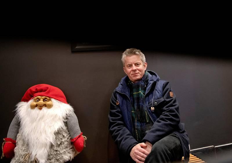 Slapp nisseskrekken: Knut Nærum tilbrakte de 15 første årene av livet sitt i Halden. Der hadde han helt vanlige juletradisjoner, med ribbe, pepperkakehus, juletre og ikke minst julegaver. Julenissen droppet derimot å komme innom barndomshjemmet.