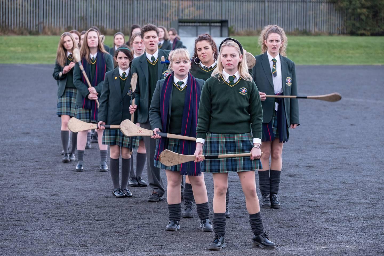 Nordirsk humor på banen. En tredje sesong av «Derry Girls» skal være på vei.