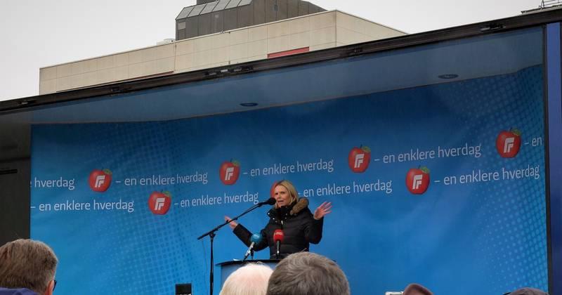 Sylvi Listhaug talte på Strømsøtorget i Drammen 1. mai.