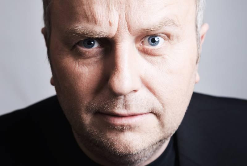 Hans Morten Hansen har premiere på sitt nye show, Natural Born Komiker, på Stavanger konserthus torsdag.
