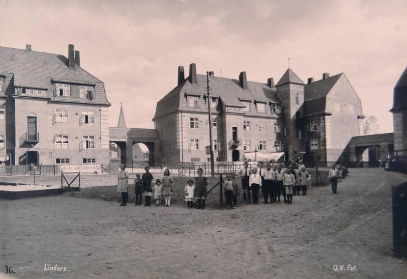LINDERN HAGEBY 1920-TALLET: Bebyggelsen ble tegna av arkitektene Harald Hals, Carl Ferdinand Linthoe og Henry Coll og oppført 1917–21. FOTO: O.V./OSLO BYARKIV