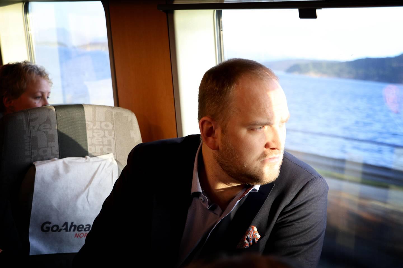 Samferdselsminister, Jon Georg Dale.