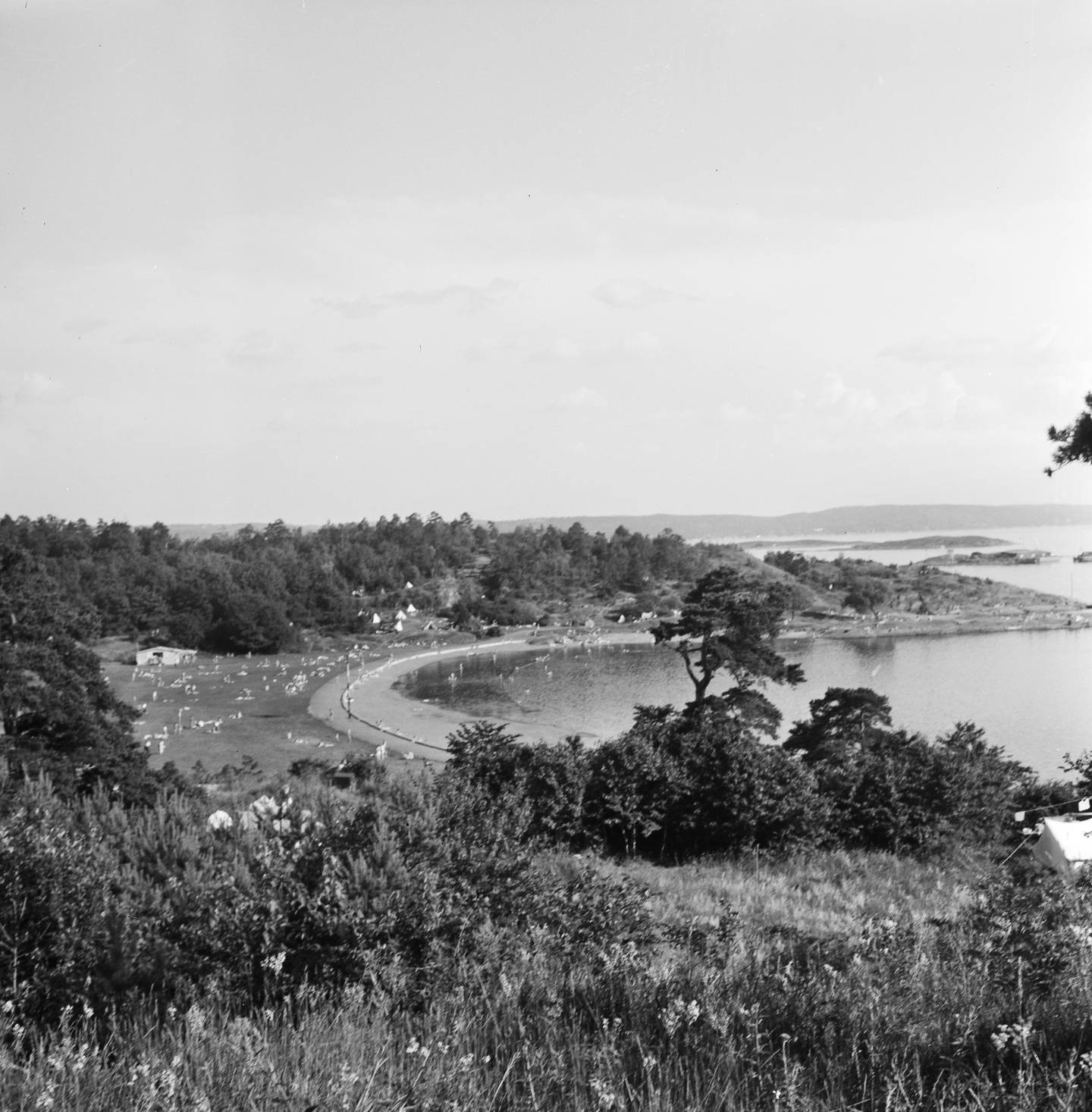 Ti år etter søplafyllinga ble brukt for siste gang i 1948 var Langøyene i hovedstadens badeparadis.