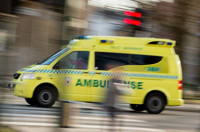 Oslo  20150409.Illustrasjonsbilder av en ambulanse i Oslo torsdag ettermiddag. Sykebil.Foto: Vegard Wivestad Grøtt / NTB scanpix