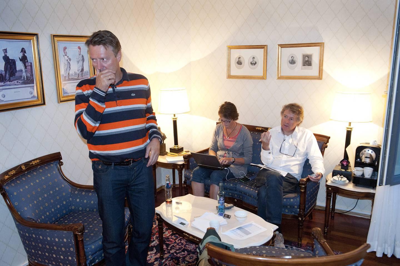 Redaksjonssjef Svein Arne Haavik. I sofaen sitter Anne Stine Sæther og sjefsredaktør Torry Pedersen.