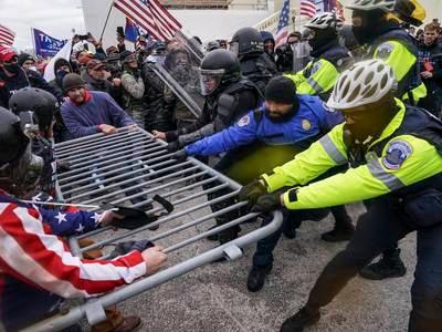 Trump blir saksøkt av to betjenter i kongresspolitiet
