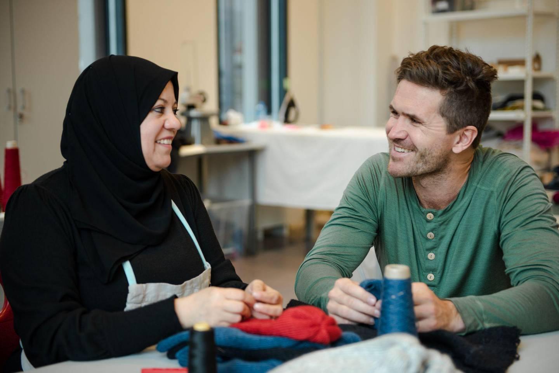 Daglig leder Jo Tobiassen i Northern Playground håper at klærne blant annet Nahed Atitallah produserer for selskapet, skal kunne gå i arv til neste generasjon.