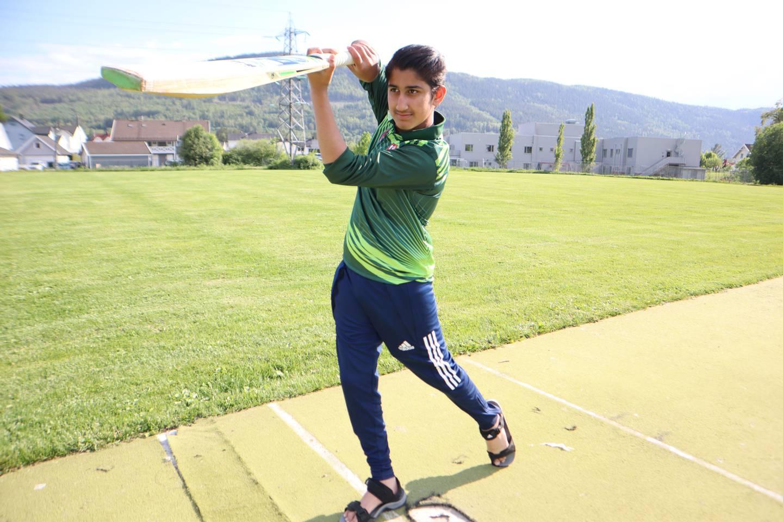 Subhan Ahmed (12) drømmer om å bli landslagspiller.