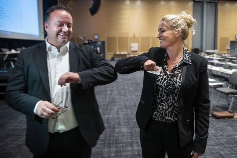 Gardermoen 20201024.  Frode Myrhol og Cecilie Lyngby er begge lederkandidater på landsmøtet til Folkeaksjonen nei til bompenger FNB på Gardermoen. Foto: Terje Pedersen / NTB
