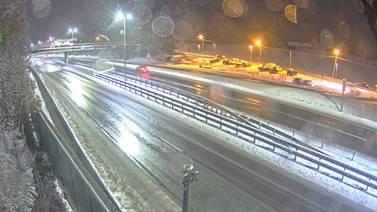 Snøvær førte til trafikkaos på Østlandet