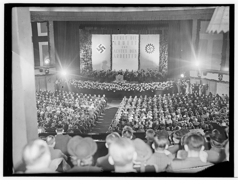Josef Terboven taler i Colosseum kino 1. mai 1941