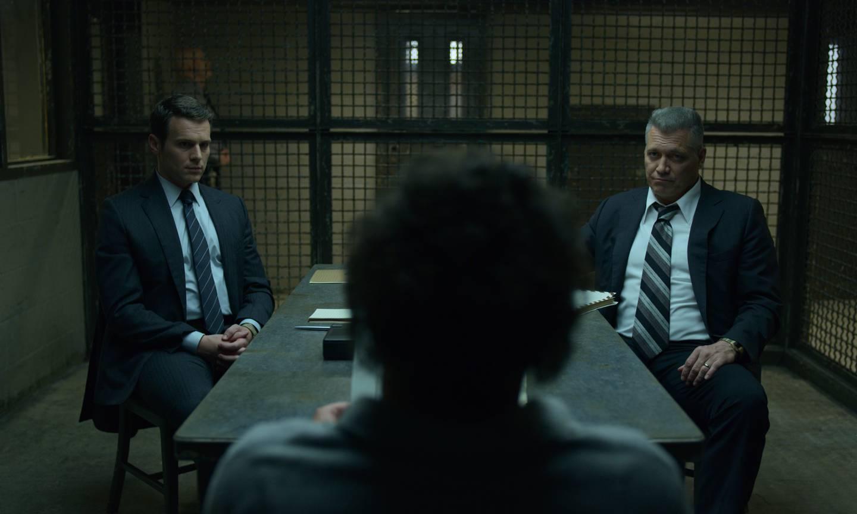 FBI-agentene som begynte å undersøke seriemorderes psyke er en av Netflix sine store suksesser, med David Fincher og Charlize Theron på produsentsiden.