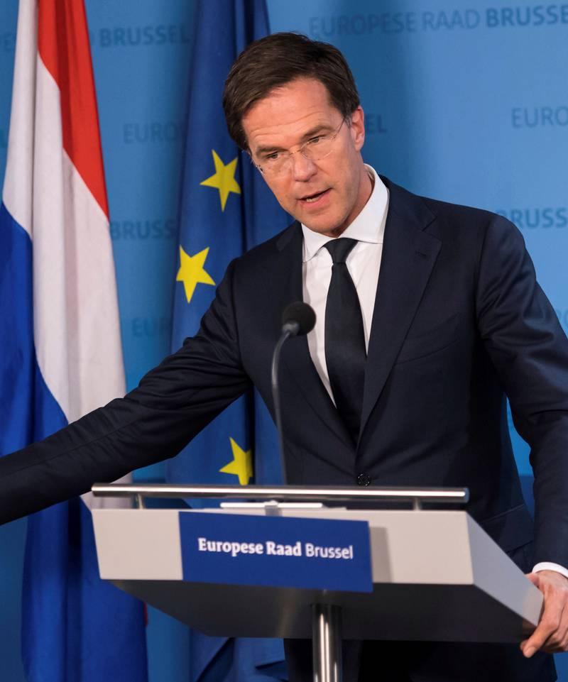 Statsminister Mark Rutte prøver å stå imot konkurransen fra ytre høyre.