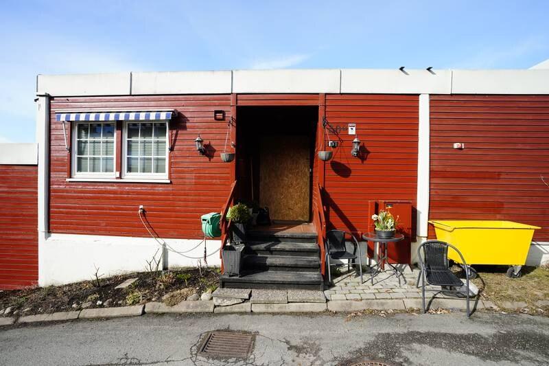 Sønnen til advokat Tor Kjærvik skal ha forklart seg om en gammel konflikt med faren under avhørene etter at advokaten ble drept mandag kveld. Foto: Lise Åserud / NTB