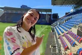 Dejana Stefanovic skulle ønske hun kunne banne og kjefte på banen. Men nordmenn er for kalde