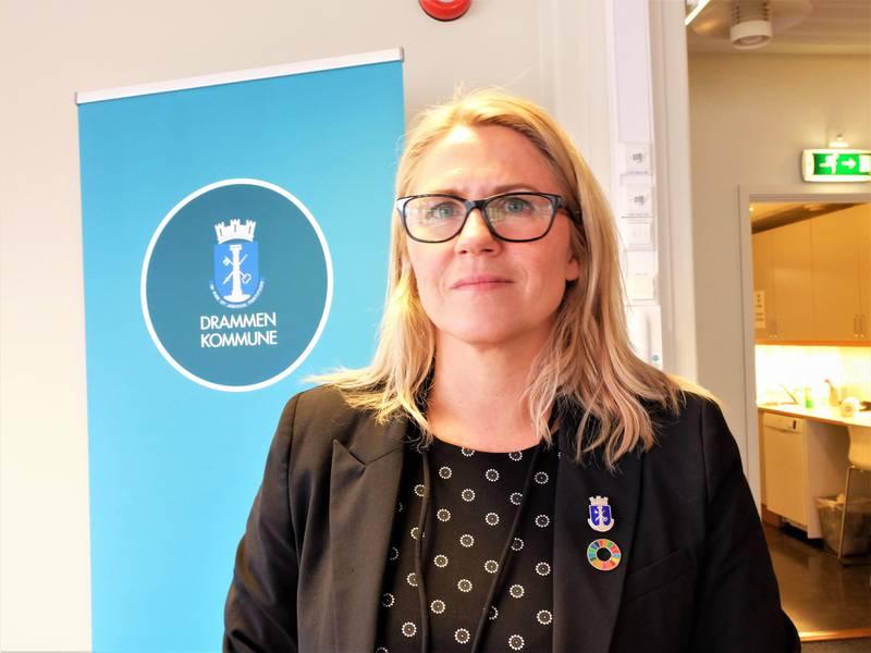 Drammen-ordfører Monica Myrvold Berg (Ap) gir sine kondolanser til den avdødes familie.