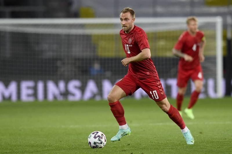 Christian Eriksen i aksjon for Danmark mot Tyskland i oppkjøringen til EM. Foto: Andreas Schaad / AP / NTB