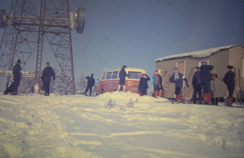 Trimhytta på Gressvik ca. 1967 med Røde Kors sin brakke.