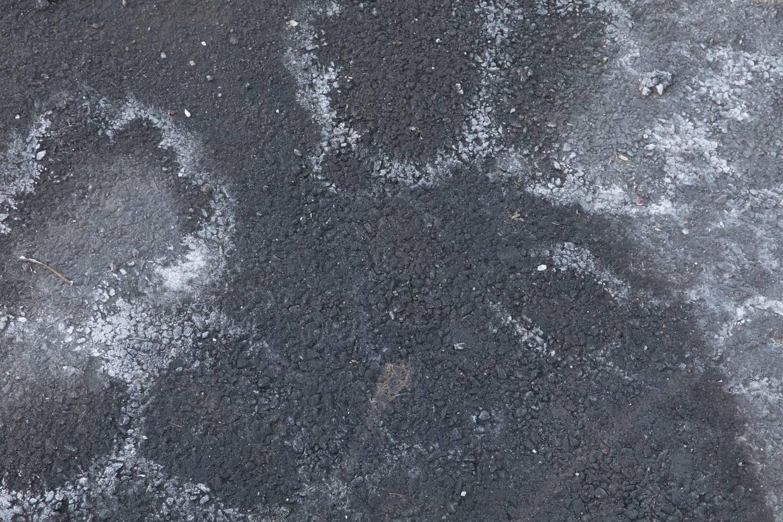 Det hender veisaltet tørker inn og lager artige formasjoner på gatene.
