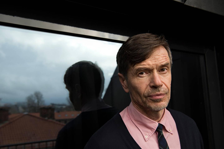 Kjetil Rolness. Sosiolog, artist og skribent. På Grims Grenka hotel.