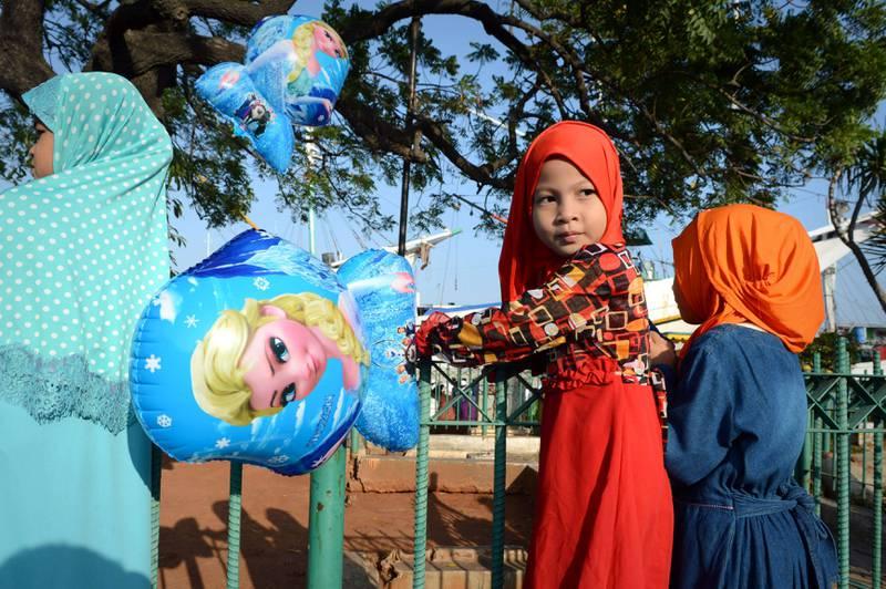 Langt færre småbarn dør enn tidligere. Øst-Asia har hatt særlig stor reduksjon, blant annet Indonesia, der disse barna bor. FOTO: NTB SCANPIX