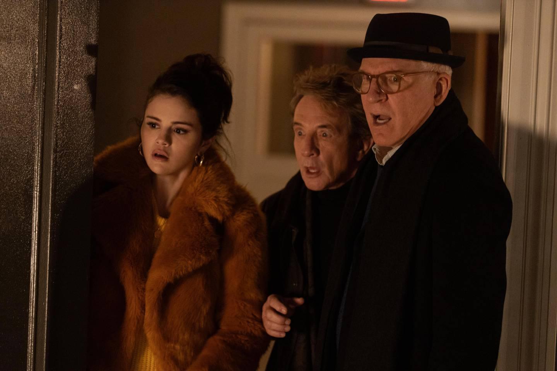Selena Gomez, Martin Short og Steve Martin morer og sjarmerer i komikrimdramaet «Only Murders In The Building».