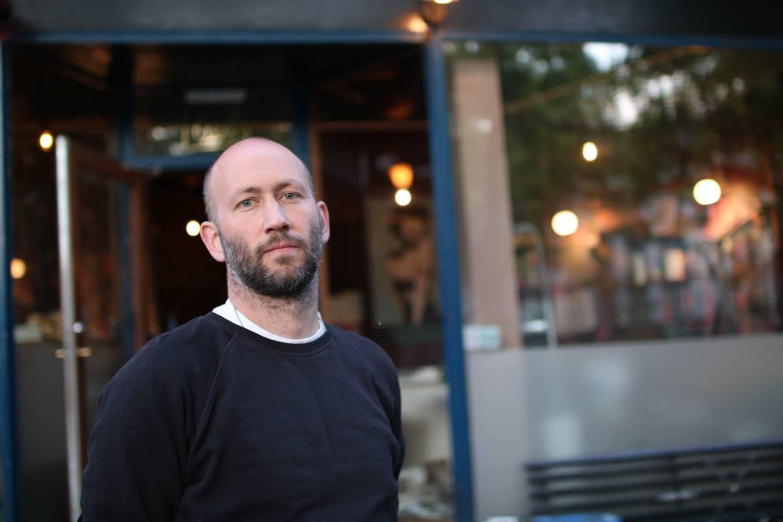 Pål Bagge Skar, innehaver og bartender på  Paul's Boutique. Selger utestedet og legger ned etter sju måneder koronastengt.