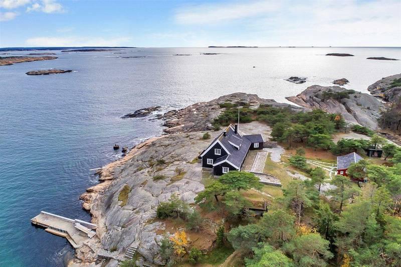 DYREST: Denne perlen på sørsiden av Hankø er dyrest av fritidsboligene i Fredrikstad og Hvaler ved inngangen til påske.