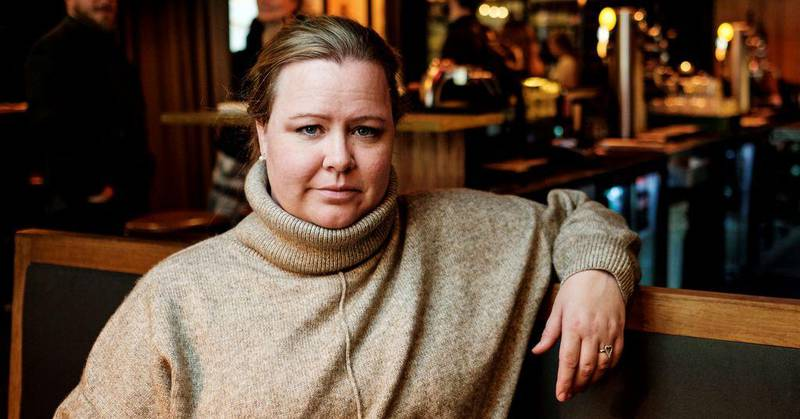 Merethe Solberg i Fellesforbundet sier at mange medlemmer nå desperat tar kontakt fordi de ikke har fått feriepengene sine.