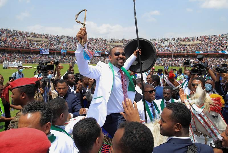 Etiopias statsminister og tidligere vinner av Nobels fredspris, Abiy Ahmed, under et valgmøte 16. juni. Det avholdes valg i Etiopia mandag.