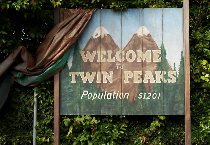 Det ikoniske veiskiltet som innledet hver episode av «Twin Peaks» er pusset opp.