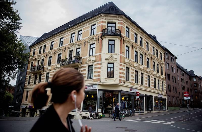 Markveien 67: Ti jøder ble hentet ut fra denne bygården 26.november 1942. To av dem var det unge paret David Glikman og Sara Jelaawitz. Der Maritastiftelsen holder til i første etasje, lå den jødiske forretningen Bernsteins magasin.