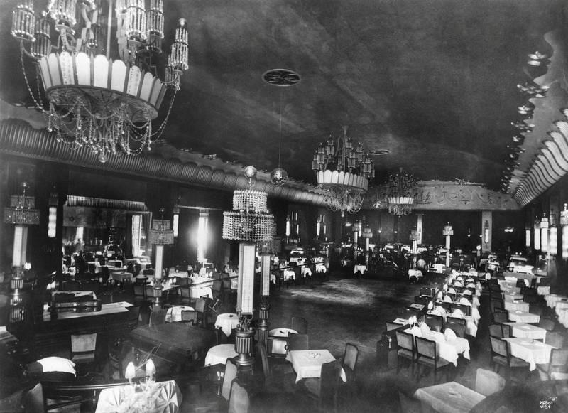 Jazz- og dansesalongen Røde Mølles interiør fotografert cirka 1930.