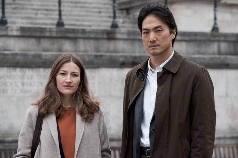 Se en japanskbritisk krim i kveld!  BBC og Netflix har laget «Giri/Haji», en veldig underholdende historie med levende typer, blant annet spilt av Kelly Macdonald og Takehiro Hira.