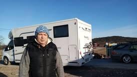 Brannofre må bo i bobilen enda en vinter