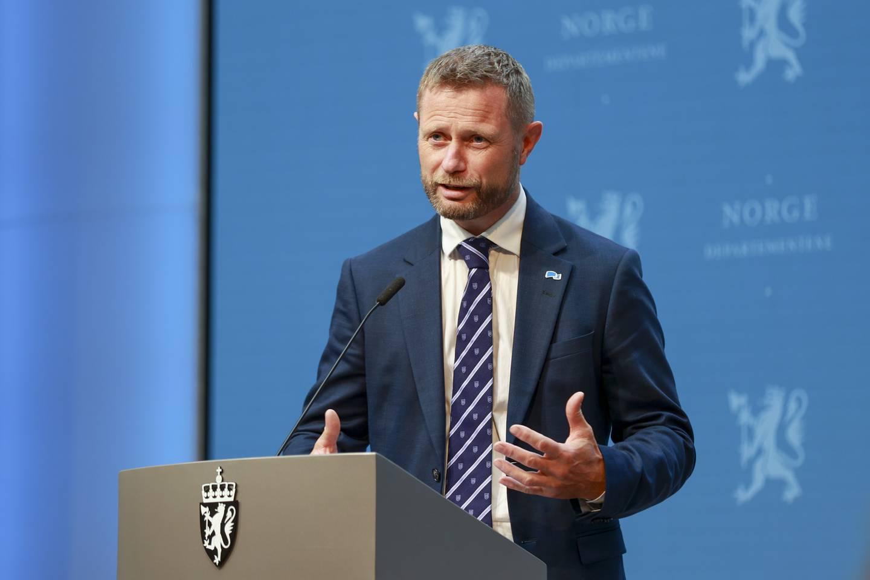 GODT NOK: Helse- og omsorgsminister Bent Høie meiner beredskapen er god nok som den er