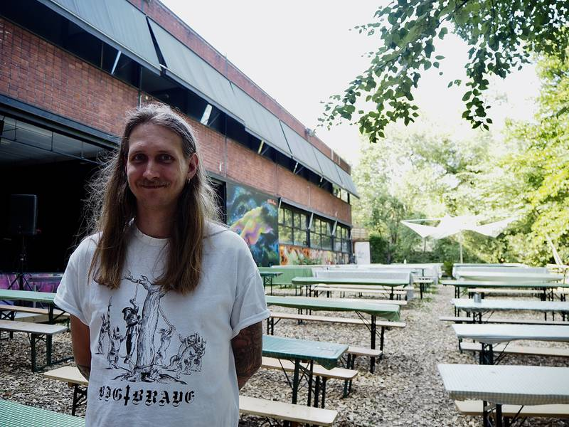 Markedsføring- og produksjonsansvarlig for Blå, Magnus Annweiler er godt fornøyd med hvordan Blå har valgt å løse sommeren.
