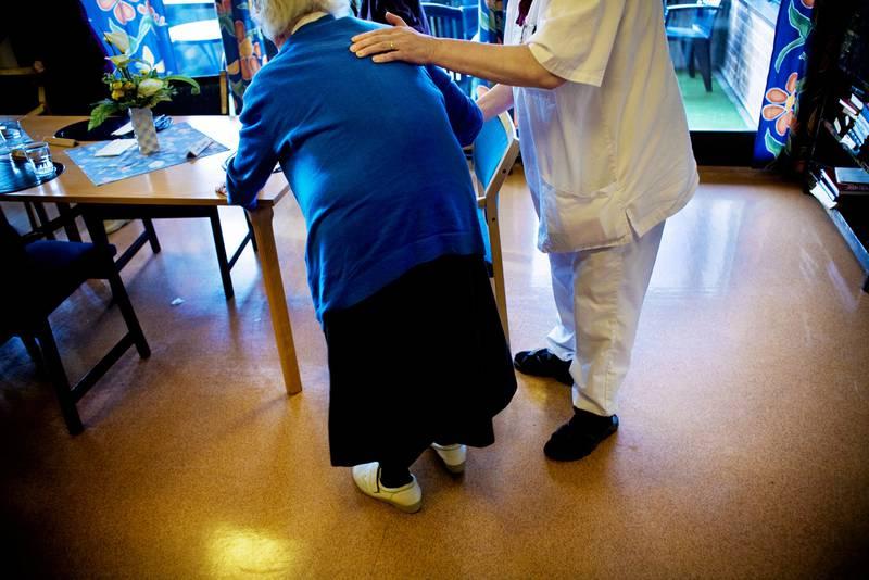 Tillitsvalgte i Unicare-sykehjemmene forbereder nå lokale lønnsforhandlinger etter å ha fått 0 kroner i det sentrale lønnsoppgjøret i år.  ILLUSTRASJONSFOTO: FREDRIK BJERKNES