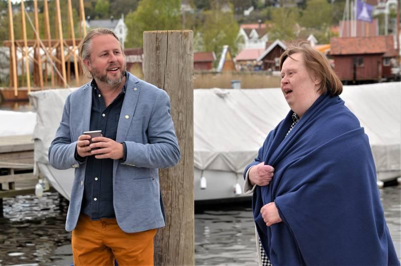Siri Irene Bråten ønsket Alexander Hermansen velkommen til konsert på Isegran. – Jeg har gledet meg til denne konserten i hele dag, Alexander er jo så flink til å synge.