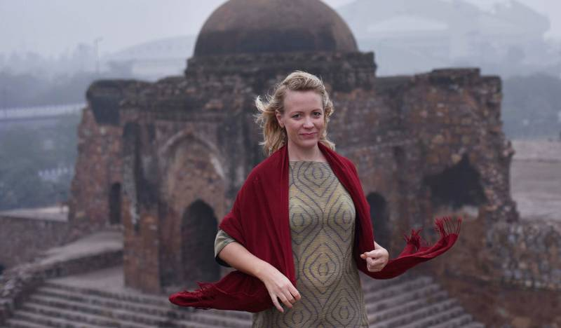 Journalist og forfatter Julia Wiræus har bodd i India i flere år. Hun besøker litteraturfestivalen på Lillehammer for å snakke om boka «De kallade henne Delhi Braveheart».