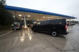Storbritannias miljøvernminister legger skylden for bensinkrisen på folket