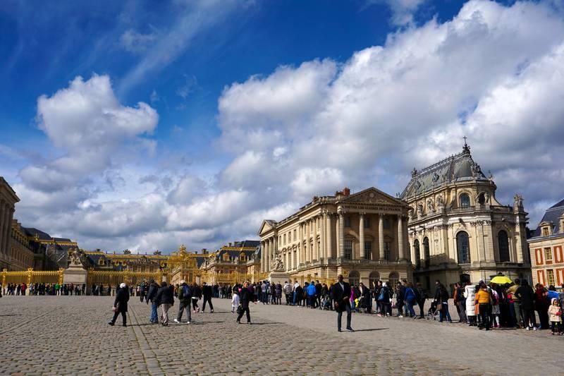 Versailles er en av verdens aller mest besøkte turistattraksjoner. Så unngå høysesong! Køene er imidlertid flere hundre meter lange hele året, så kjøp billett på forhånd! FOTO: CHRISTINE BAGLO