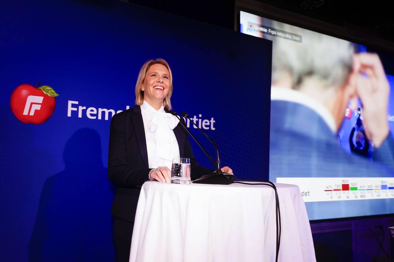 Bildet viser Frp-leder Sylvi Listhaug som talte til partiets valgvake. Foto: Terje Pedersen / NTB