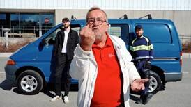 Yngve Hågensen knytter neven for bandet Hagle – som hyller arbeidsfolk i sin 1. mai-klare låt
