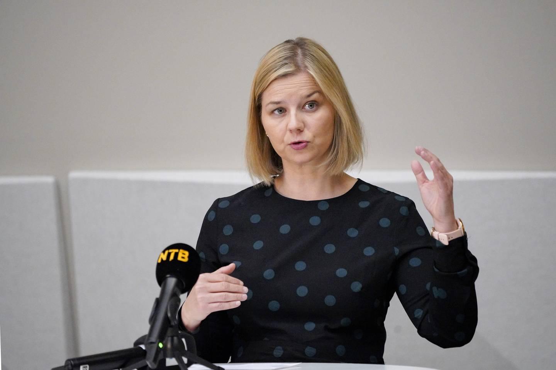 Kunnskaps- og integreringsminister Guri Melby (V) sier at muntlig eksamen avlyses over hele landet. Foto: Gorm Kallestad / NTB