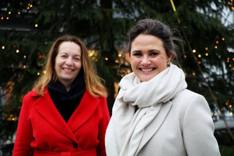 Varaordfører Dagny Sunnanå Hausken og ordfører Kari Nessa Nordtun håper at vi kan være flinke til å ta vare på hverandre denne julen.