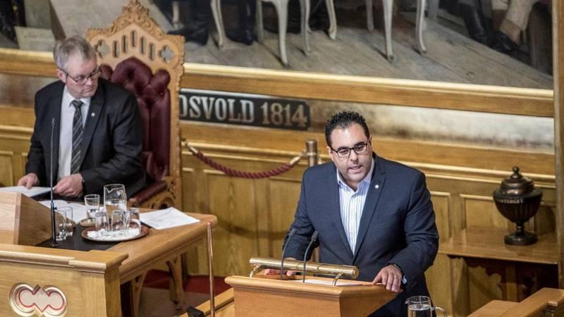 Stortingsrepresentant Masud Gharahkhani (Ap) er kritisk til Høyres førsteutkast til nytt partiprogram.