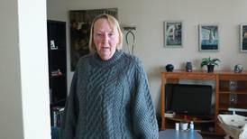 Heidi har ventet tre måneder på svar om hun får bli i sin kommunale bolig